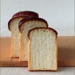 奶油吐司和B.L.T三明治(早餐菜谱)