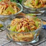 麻酱芹菜拌鸡丝(夏季凉拌菜谱)
