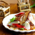 仔姜泡椒爆腊肉(荤菜菜谱)