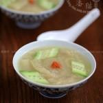 竹荪青瓜汤(养护夏日肠胃的清新靓汤菜谱)