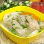 莲藕炖猪脚(荤菜菜谱)