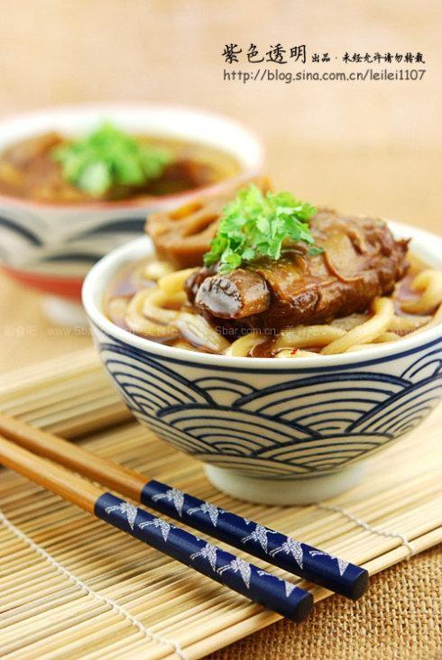 牛排鲜藕烧菜谱(荤素搭配醪糟)双立人铸排骨煎铁锅图片