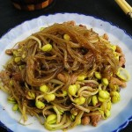 孜然黄豆芽炒粉条(素菜菜谱)