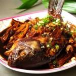 腐竹烧鲫鱼(荤菜菜谱)