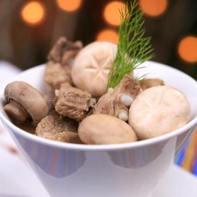 白蘑菇排骨汤