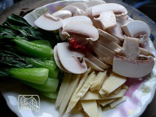 蘑菇肉片冬笋青菜