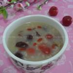 山楂红枣粥(早餐菜谱-秋冬季节的美肤消脂开胃粥)