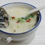 鲫鱼萝卜汤(荤菜菜谱-煮出奶白的鲫鱼汤)