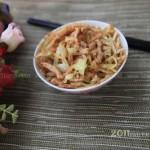 肉丝炒饼(五分钟早餐菜谱)