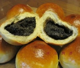 黑芝麻核桃小餐包