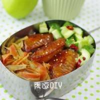 煎鸡翅、胡萝卜炒牛蒡、炝黄瓜