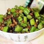 榄菜肉末四季豆(荤素搭配菜谱)