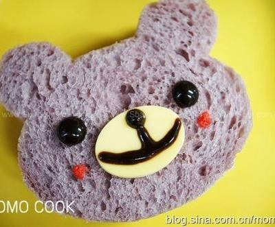 自制紫薯吐司变身可爱小熊三明治