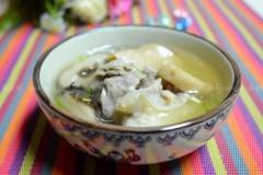 黑猪蹄膀菌菇汤