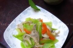 莴苣炒平菇做法