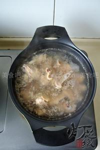 松茸鸡汤(冬日暖身v鸡汤菜谱)红烧排骨浓汤怎么做的图片