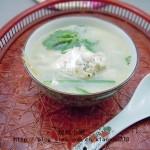 小鱼汤(荤菜菜谱-煮出奶白鱼汤的关键)