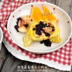 鸡蛋蓝莓馒头三明治(10分钟版五星级早餐菜谱)