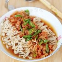 泡菜蒸金针菇
