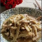 肉丝烧金针菇(学生益智健脑的一道菜肴菜谱)