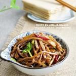 肉丝炒咸菜 (荤素搭配菜谱)