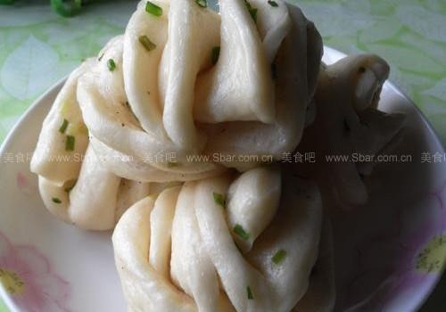 葱油椒盐花卷(早餐菜谱)