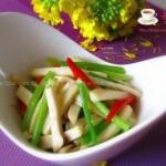 杏鲍菇炒芹菜(素菜菜谱)