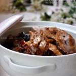 笋干焖板鸭(荤素搭配菜谱-让干笋味如鲜笋的泡发小窍门)