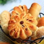 椰蓉花形面包(早餐菜谱)