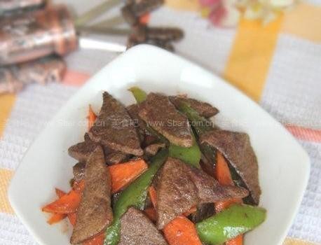 椒炒猪肝(荤菜菜谱-如何正确清洗猪肝?)