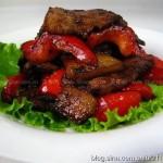 秒杀小炒肉的家庭做法(荤菜菜谱)
