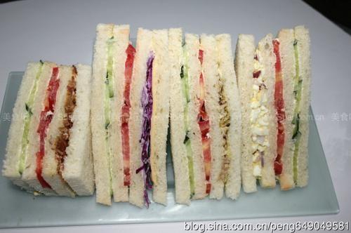 鸡蛋三明治、鸡肉三明治、牛肉三明治、芝士蔬菜三明治