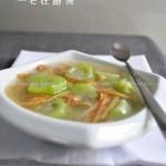 丝瓜馓子汤( 夏季靓汤菜谱)