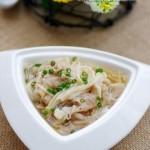 金针肥牛汤(荤素搭配菜谱)