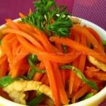 红萝卜炒肉丝(荤素搭配菜谱)