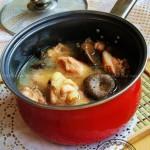 小鸡野菇汤(营养靓汤菜谱)