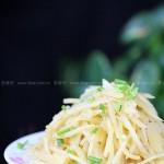 五星级酸辣土豆丝(素菜菜谱-自制特级味精)
