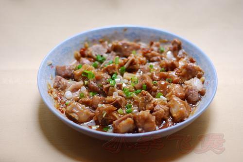 黄豆酱蒸菜谱(v黄豆排骨)鸡肉炖圆葱图片