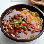 白萝卜煨牛腩(荤素搭配菜谱)