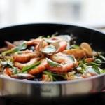 鱼头海鲜锅(海鲜菜谱-鱼头去腥小妙招)