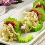 苦瓜培根金针菇卷(荤素搭配菜谱)