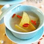 川贝炖雪梨(集止咳、润肺、化痰、平喘于一身的家庭食疗菜谱)
