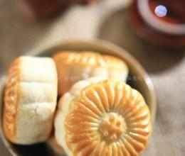 奶香蛋黄月饼