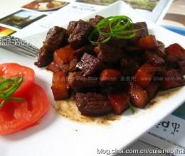 黄油黑胡椒苹果牛肉粒