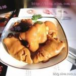 红烧猪蹄(秋天养颜好食方菜谱)