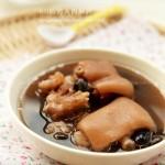 豬蹄黑豆湯(補腎黑發菜譜)
