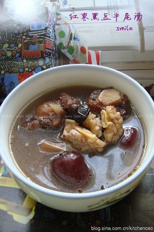 牛尾黑豆秋冬汤(营养特别为小朋友煲的排骨汤柱侯酱蒸红枣图片