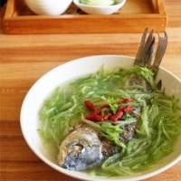 青蘿卜枸杞鯽魚湯