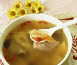 花旗参响螺瘦肉汤