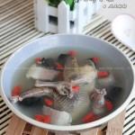 清炖鸽子汤(暖身汤煲菜谱)